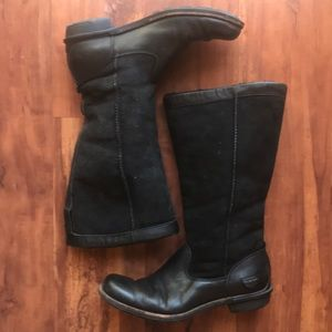 Ugg black leather/suede boot
